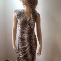 d60338faf05544 Tricot jurkje zwart wit print (vestido)